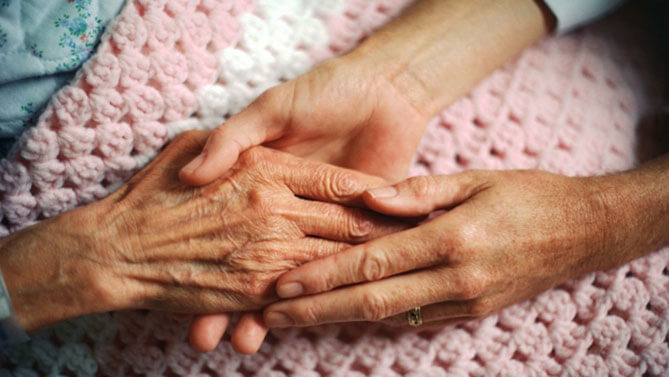 Caring for a Sick or Injured Family Member: 10 Helpful Tips